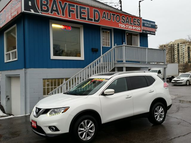 2014 NISSAN ROGUE SV AWD **Panoramic Roof/Heated Seats/Reverse Camera** in Barrie, Ontario
