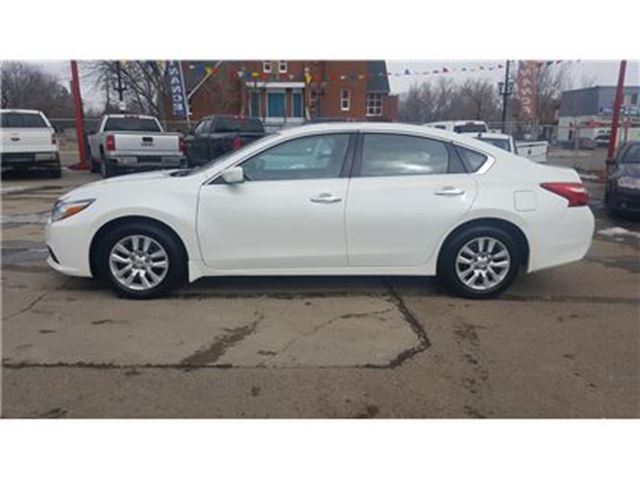 2016 nissan altima 2 5 edmonton alberta used car for sale 2731570. Black Bedroom Furniture Sets. Home Design Ideas