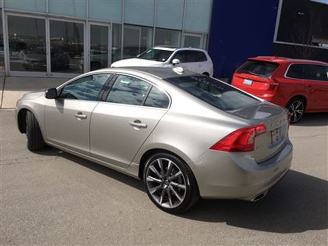2015 volvo s60 t5 awd a platinum 2 mississauga ontario used car for sale 2732070. Black Bedroom Furniture Sets. Home Design Ideas