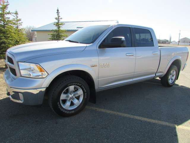 2014 DODGE RAM 1500 CrewCab 4x4 OUTDOORSMAN in Medicine Hat, Alberta