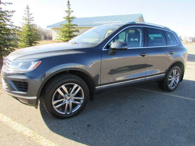 2016 Volkswagen Touareg 3.6L Highline 4Motion AWD in Medicine Hat, Alberta