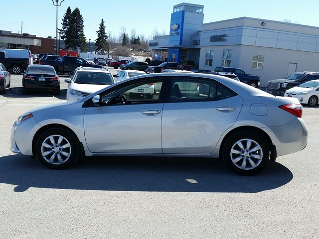 2015 toyota corolla le midland ontario used car for sale 2732069. Black Bedroom Furniture Sets. Home Design Ideas