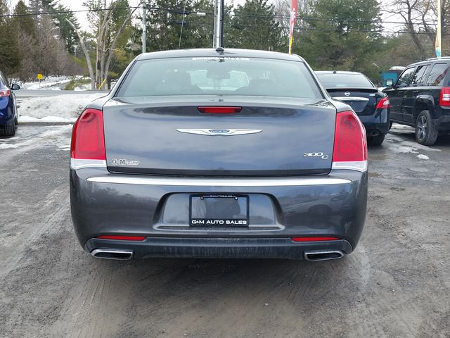 2016 chrysler 300 300c platinum rockland ontario used car for sale 2731623. Black Bedroom Furniture Sets. Home Design Ideas