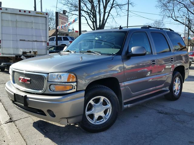2006 gmc yukon denali 4wd awd st catharines ontario used car for sale 2734420. Black Bedroom Furniture Sets. Home Design Ideas