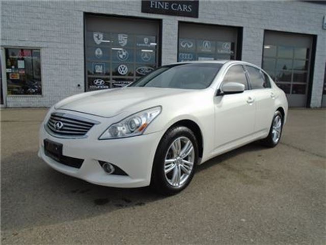 2011 INFINITI G37 x Premium package Navigation reverse camera in Guelph, Ontario
