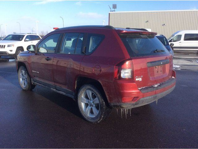 used 2014 jeep compass north 2 4l with 4x4. Black Bedroom Furniture Sets. Home Design Ideas