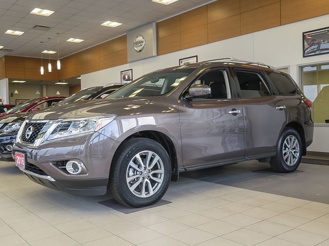 2016 nissan pathfinder sv stratford ontario used car. Black Bedroom Furniture Sets. Home Design Ideas