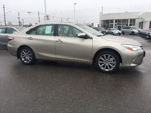 2017 toyota camry xle leather navigation cobourg ontario used car for sale 2734442. Black Bedroom Furniture Sets. Home Design Ideas