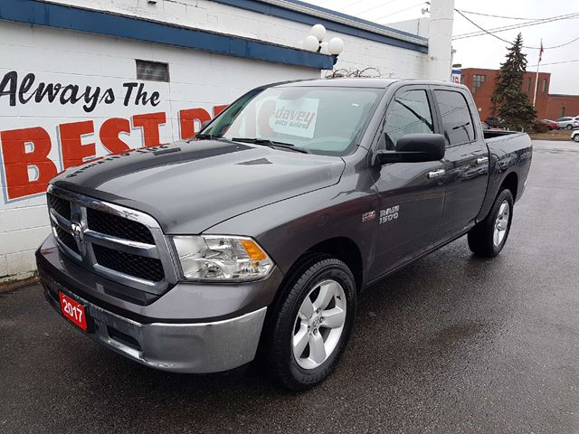 2017 dodge ram 1500 slt 4x4 5 7l hemi crew cab oshawa ontario car for sale 2734976. Black Bedroom Furniture Sets. Home Design Ideas