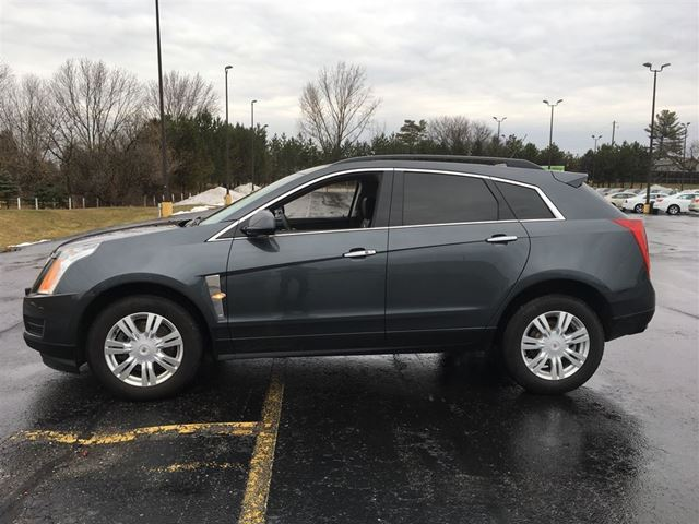 2012 cadillac srx cayuga ontario used car for sale 2735169. Black Bedroom Furniture Sets. Home Design Ideas