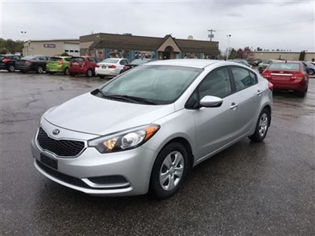 2015 kia forte lx bluetooth carproof clean fonthill ontario used car for sale 2736408. Black Bedroom Furniture Sets. Home Design Ideas