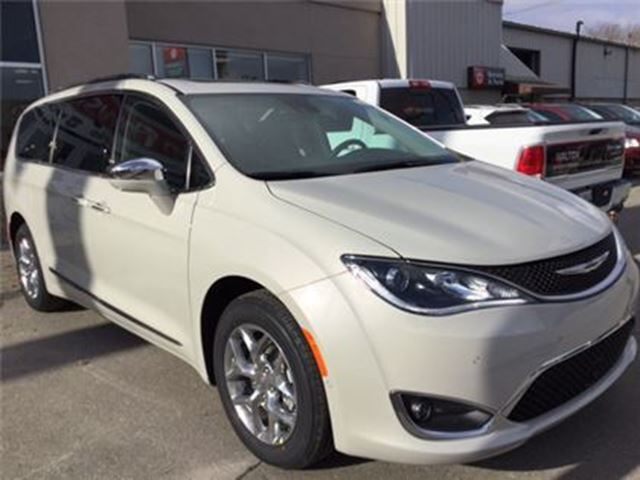 2017 chrysler pacifica limited 0 fin 84 mth milton ontario used car for sale 2737033. Black Bedroom Furniture Sets. Home Design Ideas