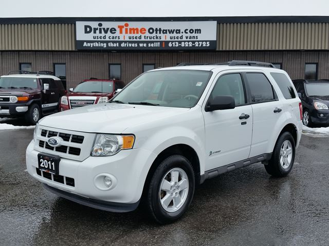 2011 ford escape xlt hybrid fuel saver ottawa. Black Bedroom Furniture Sets. Home Design Ideas