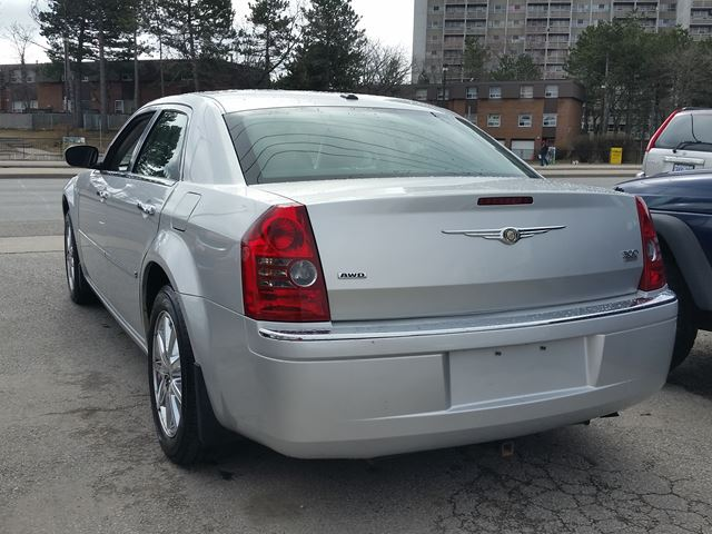 2010 chrysler 300 limited awd on sale scarborough ontario used car for sale 2736893. Black Bedroom Furniture Sets. Home Design Ideas