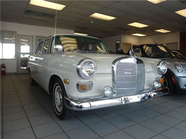 1968 MERCEDES-BENZ B-CLASS COLLECTOR DREAM ENGINE AND BODY IN GREAT CONDITION in Oakville, Ontario