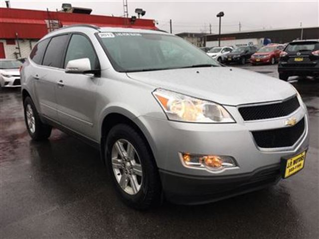 2012 chevrolet traverse 1lt automatic third row seating burlington ontario used car for. Black Bedroom Furniture Sets. Home Design Ideas