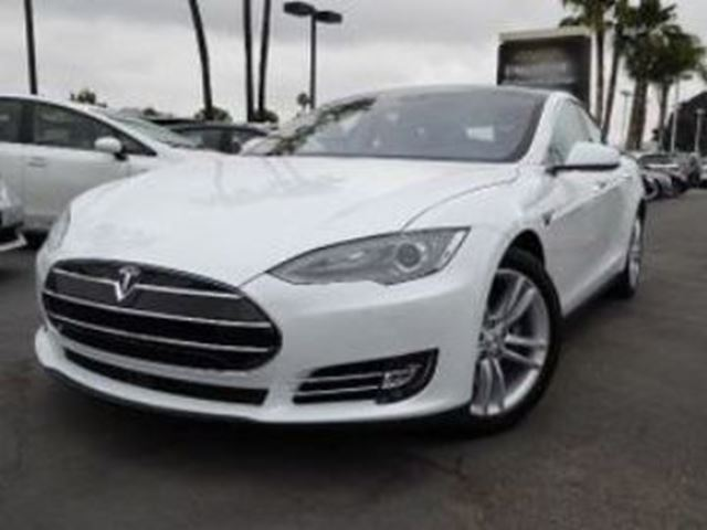 2015 TESLA MODEL S 85  AWD, 100% Electric. w/ Audio Package in Mississauga, Ontario