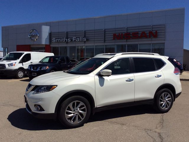 2014 nissan rogue smiths falls ontario used car for sale 2738364. Black Bedroom Furniture Sets. Home Design Ideas