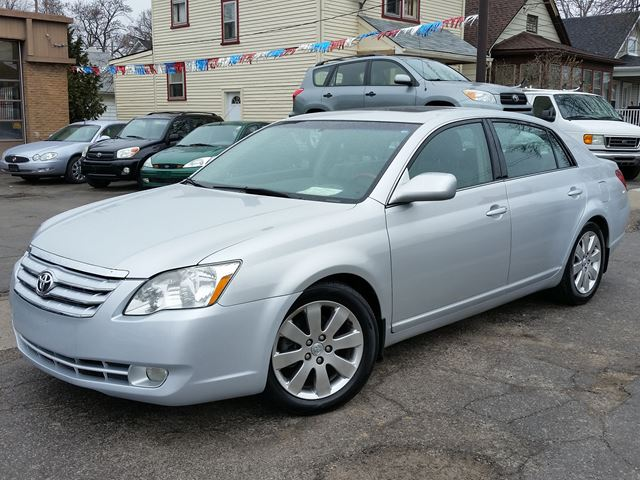 2006 toyota avalon xls st catharines ontario car for sale 2739929. Black Bedroom Furniture Sets. Home Design Ideas
