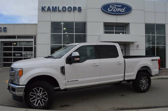 2017 FORD F-350 Lariat 4x4 SD Crew Cab 6.75 ft. box 160 in. WB SRW in Kamloops, British Columbia