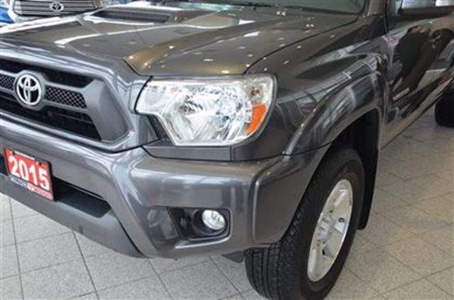 2015 toyota tacoma v6 4wd double cab trd sport tcuv milton ontario used car for sale 2741128. Black Bedroom Furniture Sets. Home Design Ideas