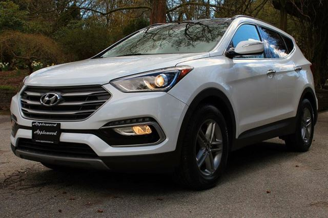 2017 HYUNDAI SANTA FE 2.4 Luxury 4dr All-wheel Drive in Langley, British Columbia