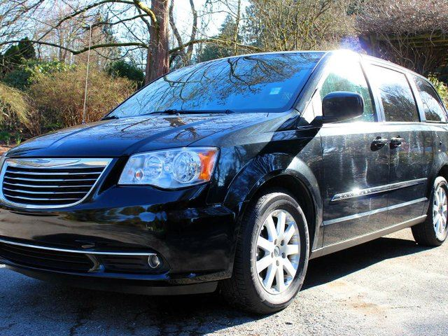 2014 CHRYSLER TOWN AND COUNTRY Touring in Langley, British Columbia