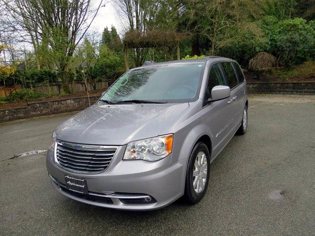 2016 CHRYSLER TOWN AND COUNTRY Touring in Langley, British Columbia