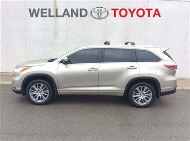 2014 toyota highlander xle welland ontario used car for sale 2742147. Black Bedroom Furniture Sets. Home Design Ideas