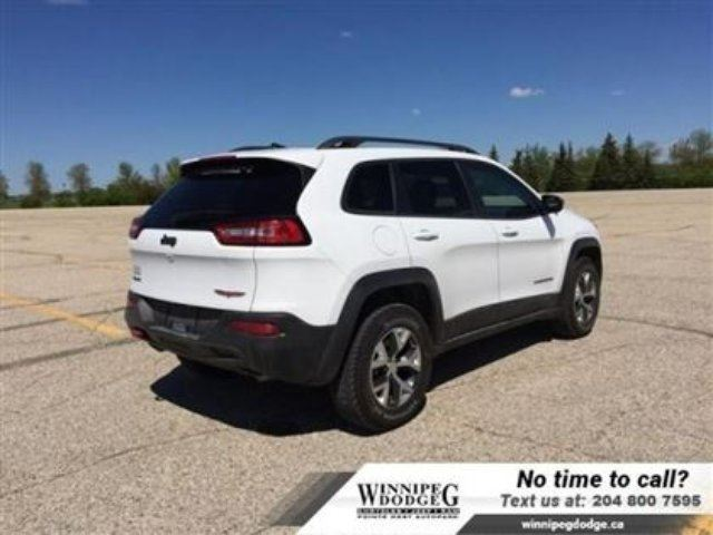 2016 jeep cherokee trailhawk v6 4x4 w sunroof leather. Black Bedroom Furniture Sets. Home Design Ideas