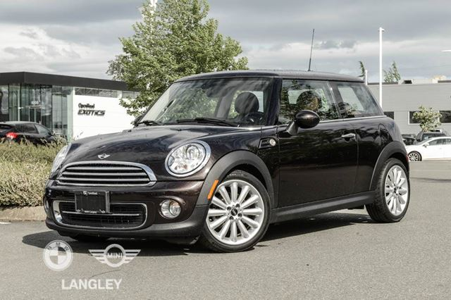 2013 MINI Cooper Premium, Wired, and Style Packages!! in Langley, British Columbia