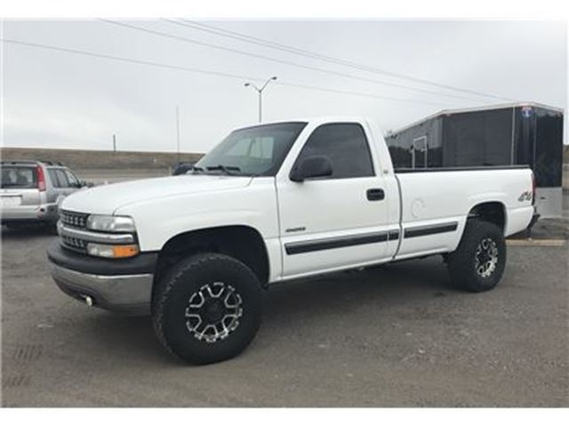 2002 Chevrolet Silverado 1500 REGULAR CAB, LONG BOX, 4X4 WITH 2 1/2' BODY LIFT! in Orono, Ontario