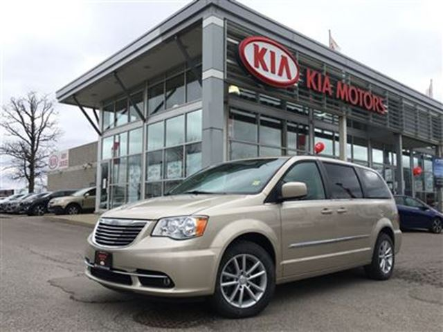 2012 Chrysler Town and Country Touring -$145.98 Bi Weekly, Nav, DVD, Bucket Seats in Mississauga, Ontario