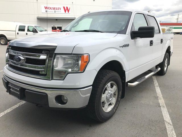 2014 FORD F-150 XLT 4x4 SuperCrew Cab 5.5 ft. box 145 in. WB in Langley, British Columbia
