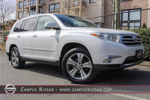 2011 TOYOTA HIGHLANDER Limited 4WD wNAVI  LEATHER in Victoria, British Columbia