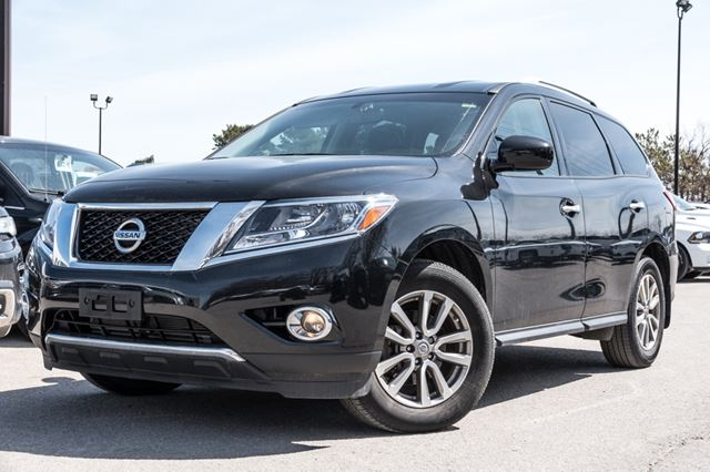2015 NISSAN PATHFINDER S ***ALL WHEEL DRIVE!!*** in Barrie, Ontario