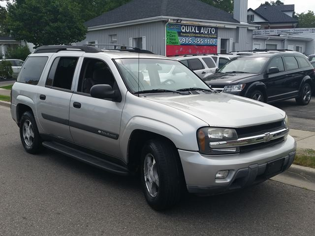 2004 CHEVROLET TrailBlazer LS in Brampton, Ontario