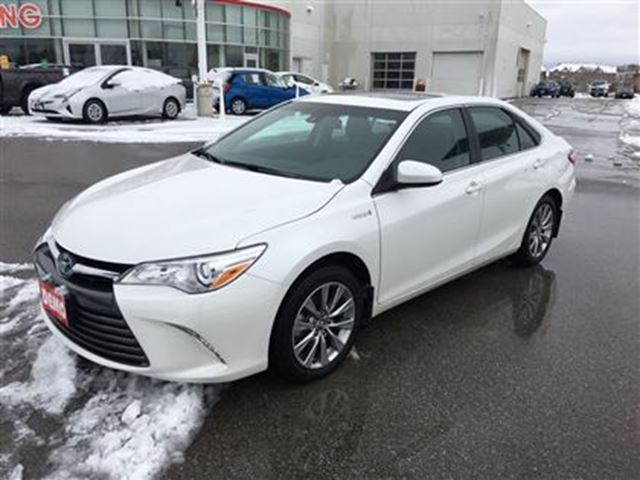 2017 toyota camry hybrid xle exec demo save over new stouffville ontario used car for. Black Bedroom Furniture Sets. Home Design Ideas