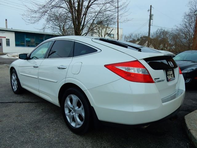 2010 honda accord crosstour pending sale kitchener for Used honda crosstour for sale