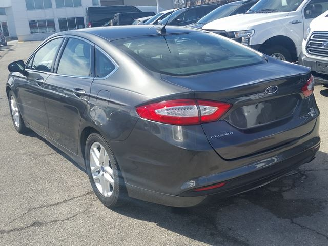 2016 ford fusion se hamilton ontario used car for sale 2747672. Black Bedroom Furniture Sets. Home Design Ideas