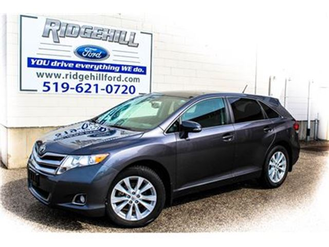 2015 TOYOTA VENZA XLE  leather  NAVIGATION SUNROOF in Cambridge, Ontario