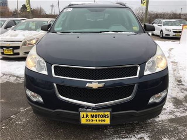 2011 chevrolet traverse 1ls automatic third row seating sunroof burlington ontario car. Black Bedroom Furniture Sets. Home Design Ideas