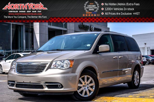 2016 Chrysler Town and Country Touring 7Seater SafetyTec,DrvrConven.Pkgs RearCam ParkAssist 17Alloys  in Thornhill, Ontario