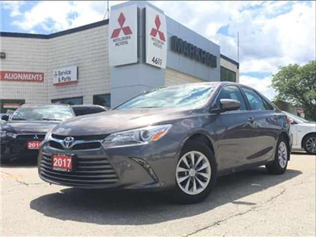 2017 toyota camry le markham ontario car for sale 2751000. Black Bedroom Furniture Sets. Home Design Ideas