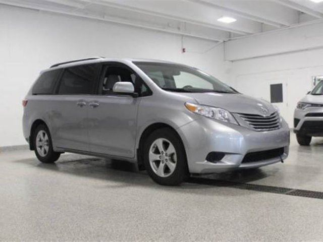 2016 toyota sienna le 8 pass v6 6a calgary alberta car for sale 2751880. Black Bedroom Furniture Sets. Home Design Ideas