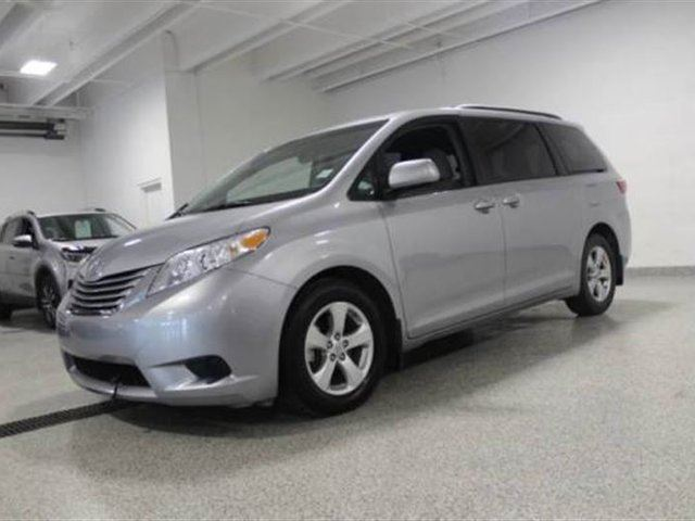 2016 toyota sienna le 8 pass v6 6a calgary alberta car. Black Bedroom Furniture Sets. Home Design Ideas
