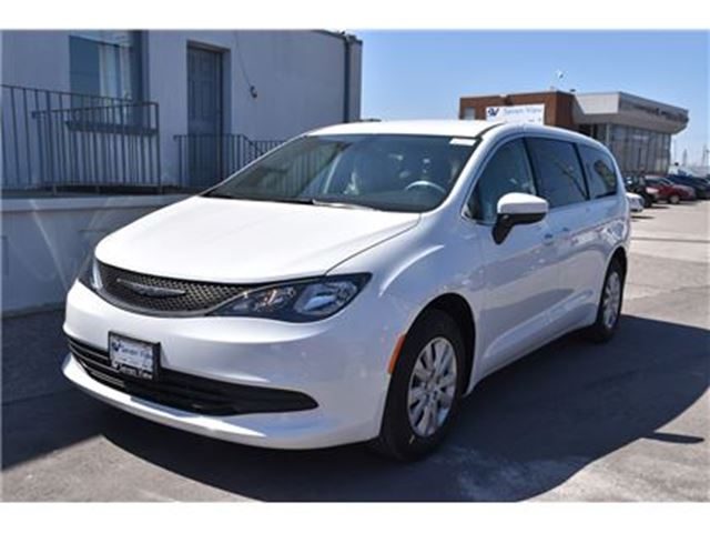 2017 chrysler pacifica lx concord ontario car for sale 2751063. Black Bedroom Furniture Sets. Home Design Ideas