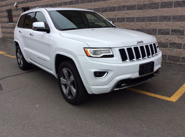 2016 JEEP GRAND CHEROKEE OVERLAND/LEATHER/8.4 TOUCH SCREEN/PANORAMIC SUN in Dartmouth, Nova Scotia
