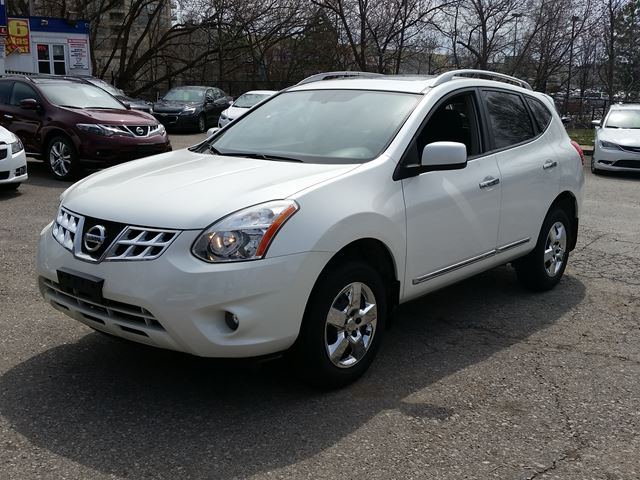2012 Nissan Rogue SV AWD Sunroof Back up camera  in Mississauga, Ontario