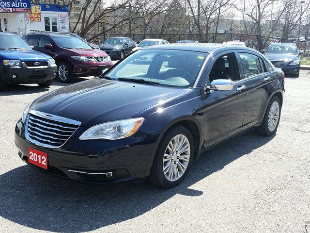 2012 Chrysler 200 Limited Leather Sunroof Remote start in Mississauga, Ontario